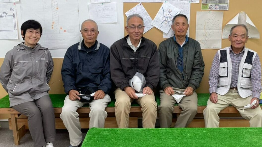 写真左端から 瀧川 麗子さん 蒔田 嘉延さん 瀧川 昌弘さん 野沢 幸生さん 河合 芙佐夫さん